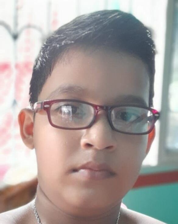 স্নেহাশীয় আর্চাযী, পাহাড়হাটী, পূর্ব বর্ধমানপাহাড়হাটী শিশু তীর্থ কেজি স্কুল