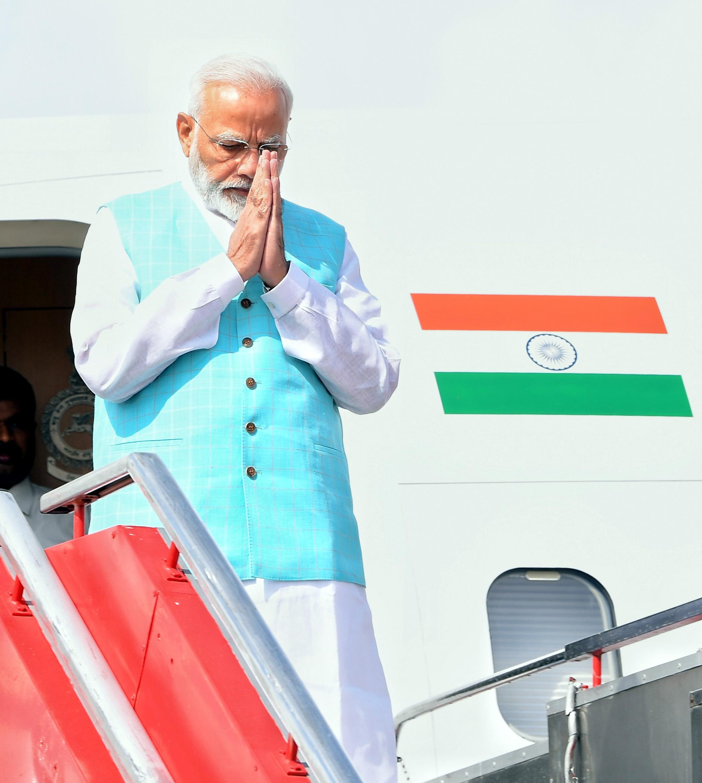 प्रधानमंत्री नरेंद्र मोदी ने शनिवार को शिक्षक दिवस पर अध्यापकों के योगदान को स्मरण कर उन्हें राष्ट्र के निमार्ण की नींव तैयार करने वाला बताया