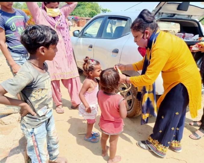 गरीबों के प्रति दिखलाई दरियादिली- हुमन लीगल ऐड एंड क्राइम कंट्रोल आर्गेनाइजेशन संस्था