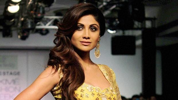 Shilpa Shetty (3) shilpa shetty Age, instagram, Husband, Height, wikipedia, image,Twitter, Yoga, Family, smile, hot