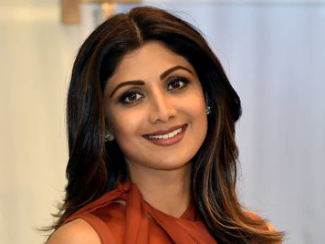 Shilpa Shetty (5) shilpa shetty Age, instagram, Husband, Height, wikipedia, image,Twitter, Yoga, Family, smile, hot