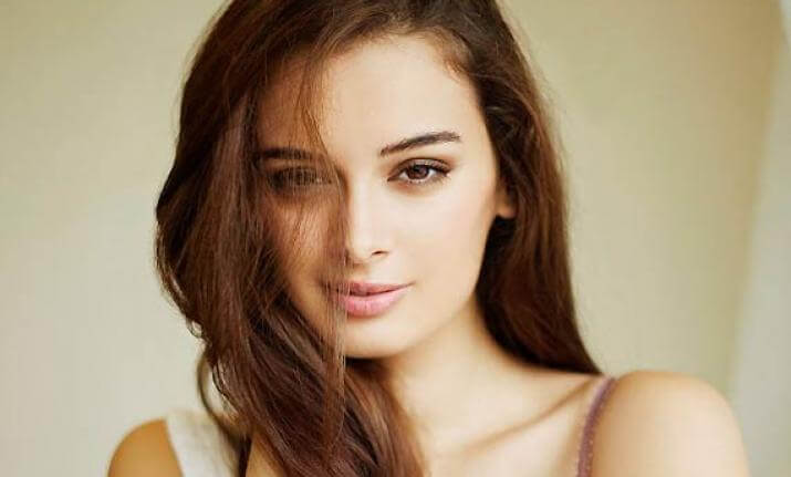 Evelyn Sharma Instagram, Age, Wiki, Biography, Images, Evelyn Sharma Photos,evelyn Sharma Bikini, Evelyn Sharma Hd Pics, Twitter, Facebook, Date Of Birth, Height, Imdb, Youtube, Net Worth, Website (36)