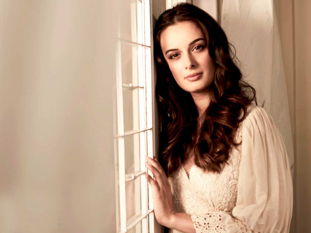 Evelyn Sharma Instagram, Age, Wiki, Biography, Images, Evelyn Sharma Photos,evelyn Sharma Bikini, Evelyn Sharma Hd Pics, Twitter, Facebook, Date Of Birth, Height, Imdb, Youtube, Net Worth, Website (51)