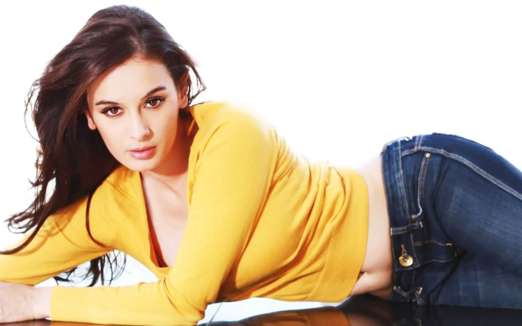 Evelyn Sharma Instagram, Age, Wiki, Biography, Images, Evelyn Sharma Photos,evelyn Sharma Bikini, Evelyn Sharma Hd Pics, Twitter, Facebook, Date Of Birth, Height, Imdb, Youtube, Net Worth, Website (77)