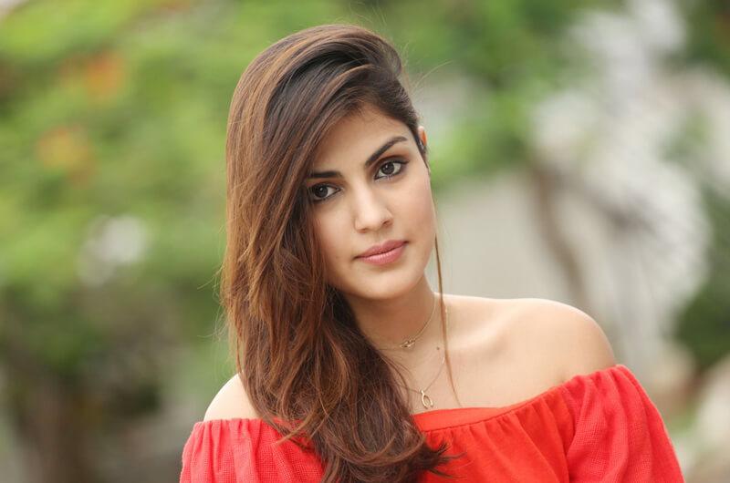 Rhea Chakraborty Age, Instagram, Biography, Wiki, Hot Images, Bikini Photos, Kiss, Facebook, Twitter, Imdb, Husband, Height, (13)