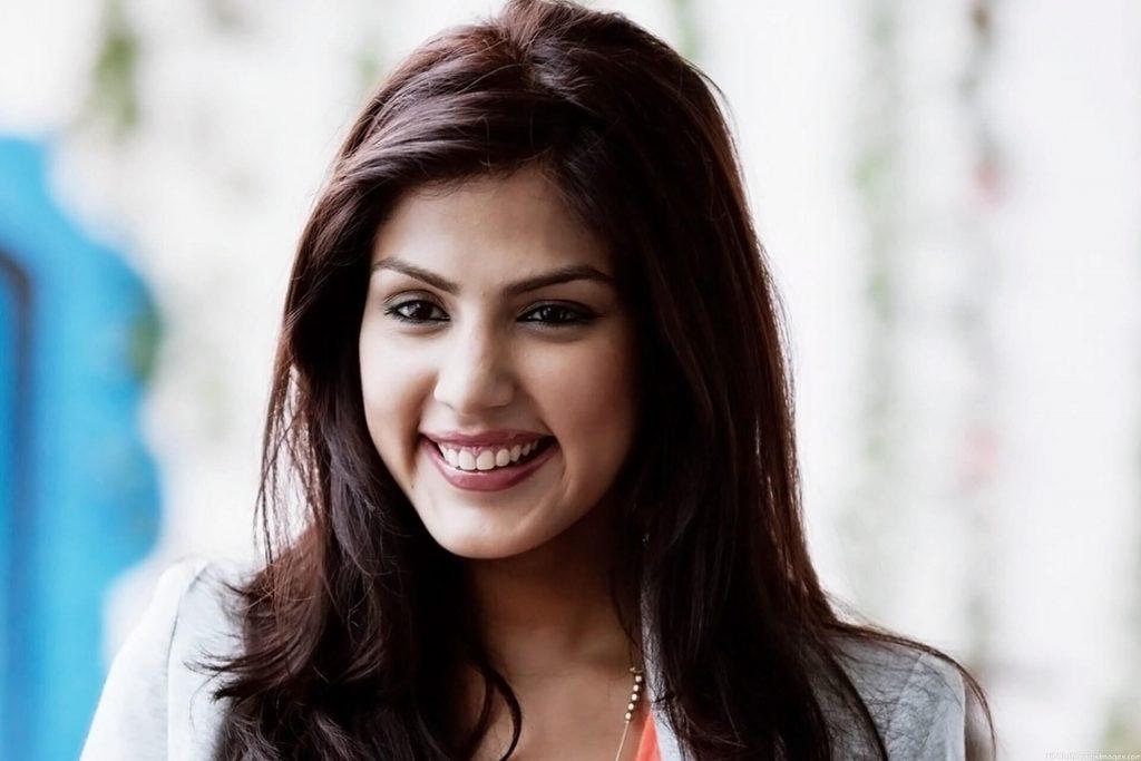 Rhea Chakraborty Age, Instagram, Biography, Wiki, Hot Images, Bikini Photos, Kiss, Facebook, Twitter, Imdb, Husband, Height, (21)