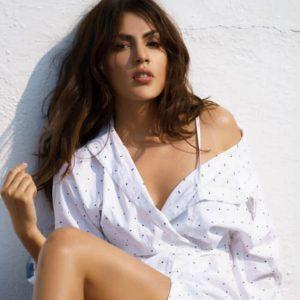 Rhea Chakraborty Age, Instagram, Biography, Wiki, Hot Images, Bikini Photos, Kiss, Facebook, Twitter, Imdb, Husband, Height, (48)