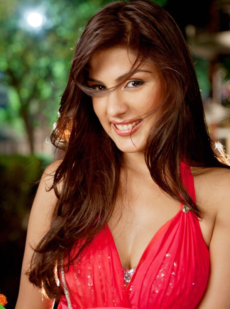 Rhea Chakraborty Age, Instagram, Biography, Wiki, Hot Images, Bikini Photos, Kiss, Facebook, Twitter, Imdb, Husband, Height, (7)