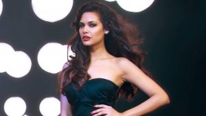 Esha Gupta Images(photos), Age, Height, Net Worth, Date Of Birth, Family, Biography, Son, Marriage, Boyfriend, Education, Awards, Hairstyle, Instagram, Twitter, Facebook, Wiki, Imdb (1)