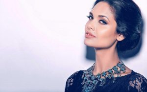 Esha Gupta Images(photos), Age, Height, Net Worth, Date Of Birth, Family, Biography, Son, Marriage, Boyfriend, Education, Awards, Hairstyle, Instagram, Twitter, Facebook, Wiki, Imdb (14)