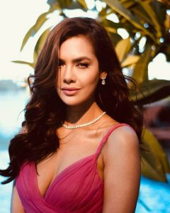 Esha Gupta Images(photos), Age, Height, Net Worth, Date Of Birth, Family, Biography, Son, Marriage, Boyfriend, Education, Awards, Hairstyle, Instagram, Twitter, Facebook, Wiki, Imdb (21)