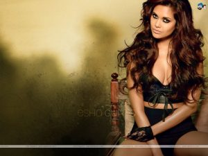 Esha Gupta Images(photos), Age, Height, Net Worth, Date Of Birth, Family, Biography, Son, Marriage, Boyfriend, Education, Awards, Hairstyle, Instagram, Twitter, Facebook, Wiki, Imdb (26)