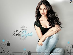 Esha Gupta Images(photos), Age, Height, Net Worth, Date Of Birth, Family, Biography, Son, Marriage, Boyfriend, Education, Awards, Hairstyle, Instagram, Twitter, Facebook, Wiki, Imdb (27)