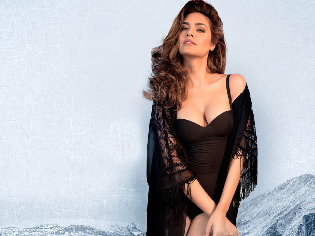 Esha Gupta Images(photos), Age, Height, Net Worth, Date Of Birth, Family, Biography, Son, Marriage, Boyfriend, Education, Awards, Hairstyle, Instagram, Twitter, Facebook, Wiki, Imdb (37)
