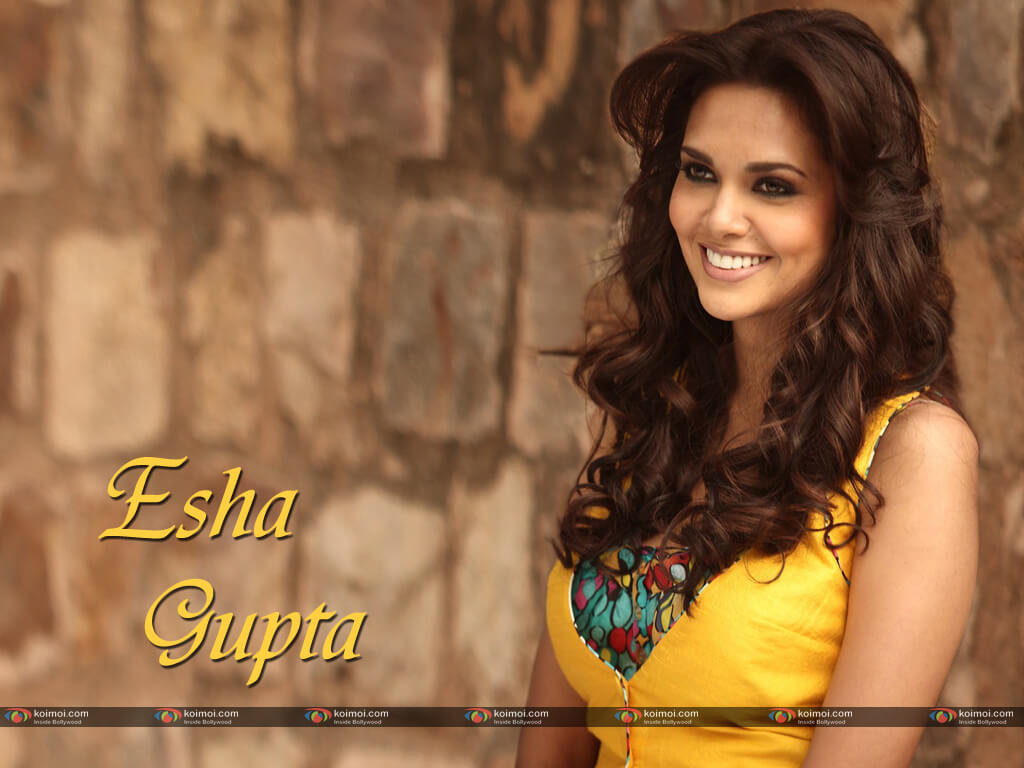 Esha Gupta Images(photos), Age, Height, Net Worth, Date Of Birth, Family, Biography, Son, Marriage, Boyfriend, Education, Awards, Hairstyle, Instagram, Twitter, Facebook, Wiki, Imdb (40)