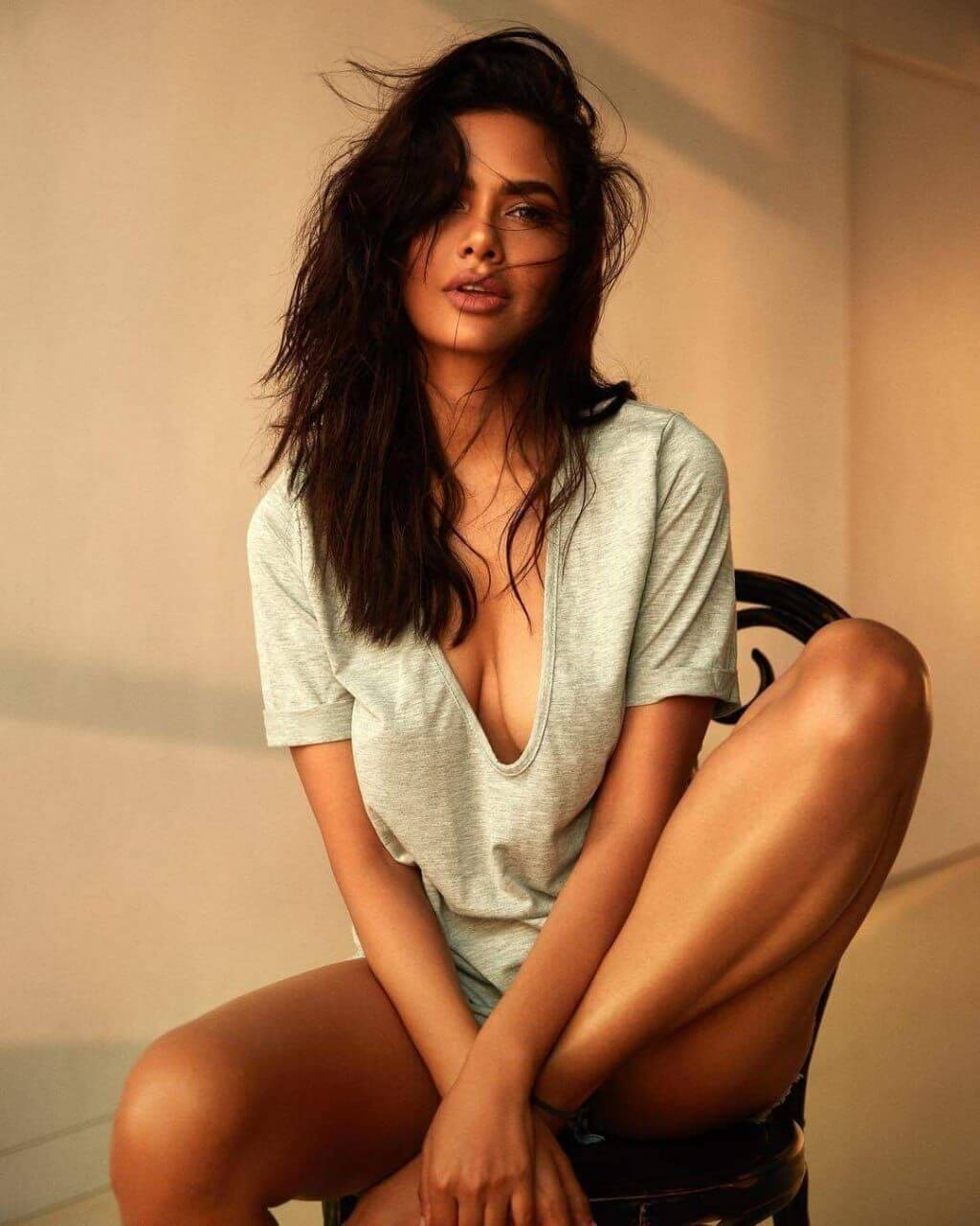 Esha Gupta Images(photos), Age, Height, Net Worth, Date Of Birth, Family, Biography, Son, Marriage, Boyfriend, Education, Awards, Hairstyle, Instagram, Twitter, Facebook, Wiki, Imdb (44)