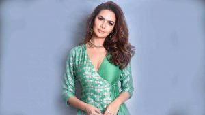 Esha Gupta Images(photos), Age, Height, Net Worth, Date Of Birth, Family, Biography, Son, Marriage, Boyfriend, Education, Awards, Hairstyle, Instagram, Twitter, Facebook, Wiki, Imdb (51)