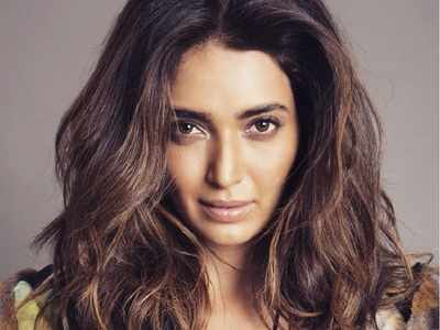 Karishma Tanna Instagram, Age, Height In Feet, Husband, Biography, Net Worth, Photos (images), Pic, Date Of Birth, Nominations, Wiki, Tattoo, Twitter, Birthday (33)