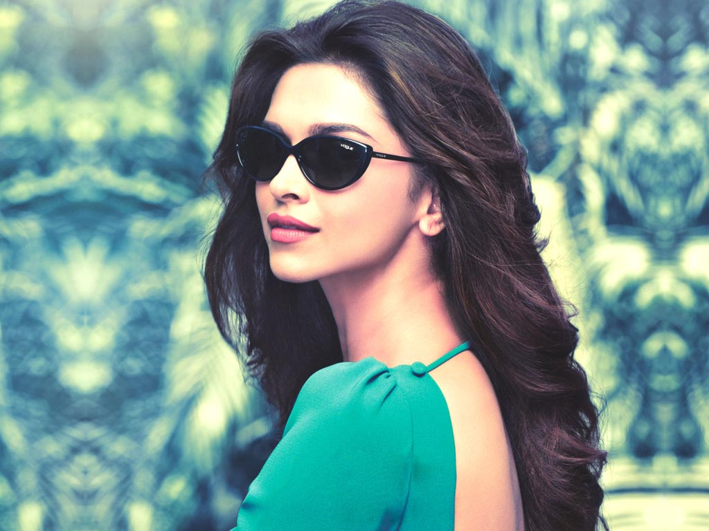 Invisiblebaba.com | Deepika Padukone Movies, Videos, Photos, Youtube, Instagram, Facebook, Age