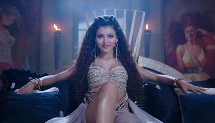 Urvashi Rautela Age, Height, Husband, Biography, Education, Full Details, Wallpaper, Birthday, Family, Net Worth, Awards, Insta, Facebook, Twitter, Wiki, Imdb, Website, Youtube (1)