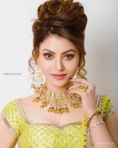 Urvashi Rautela Age, Height, Husband, Biography, Education, Full Details, Wallpaper, Birthday, Family, Net Worth, Awards, Insta, Facebook, Twitter, Wiki, Imdb, Website, Youtube (12)
