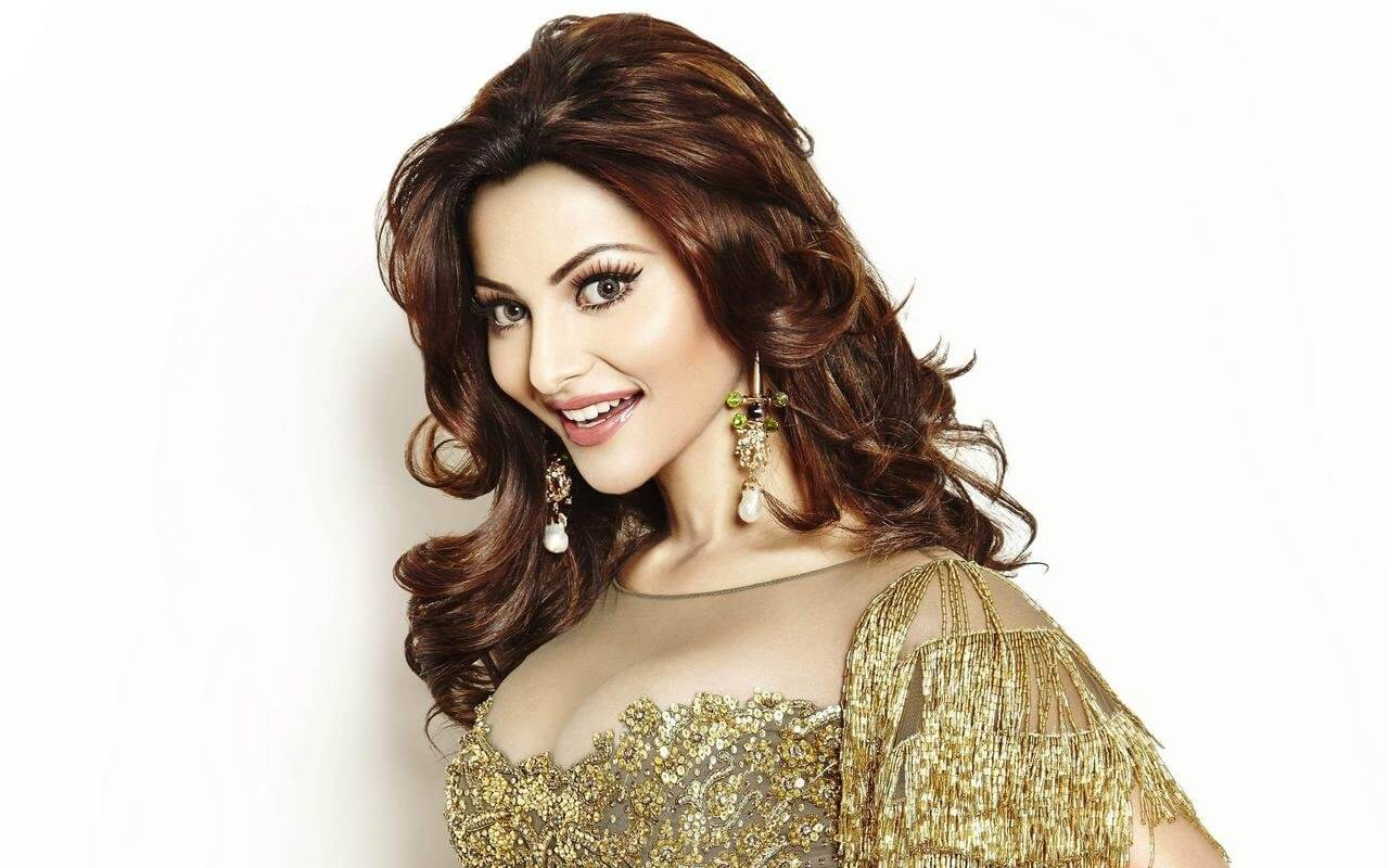 Urvashi Rautela Age, Height, Husband, Biography, Education, Full Details, Wallpaper, Birthday, Family, Net Worth, Awards, Insta, Facebook, Twitter, Wiki, Imdb, Website, Youtube (14)