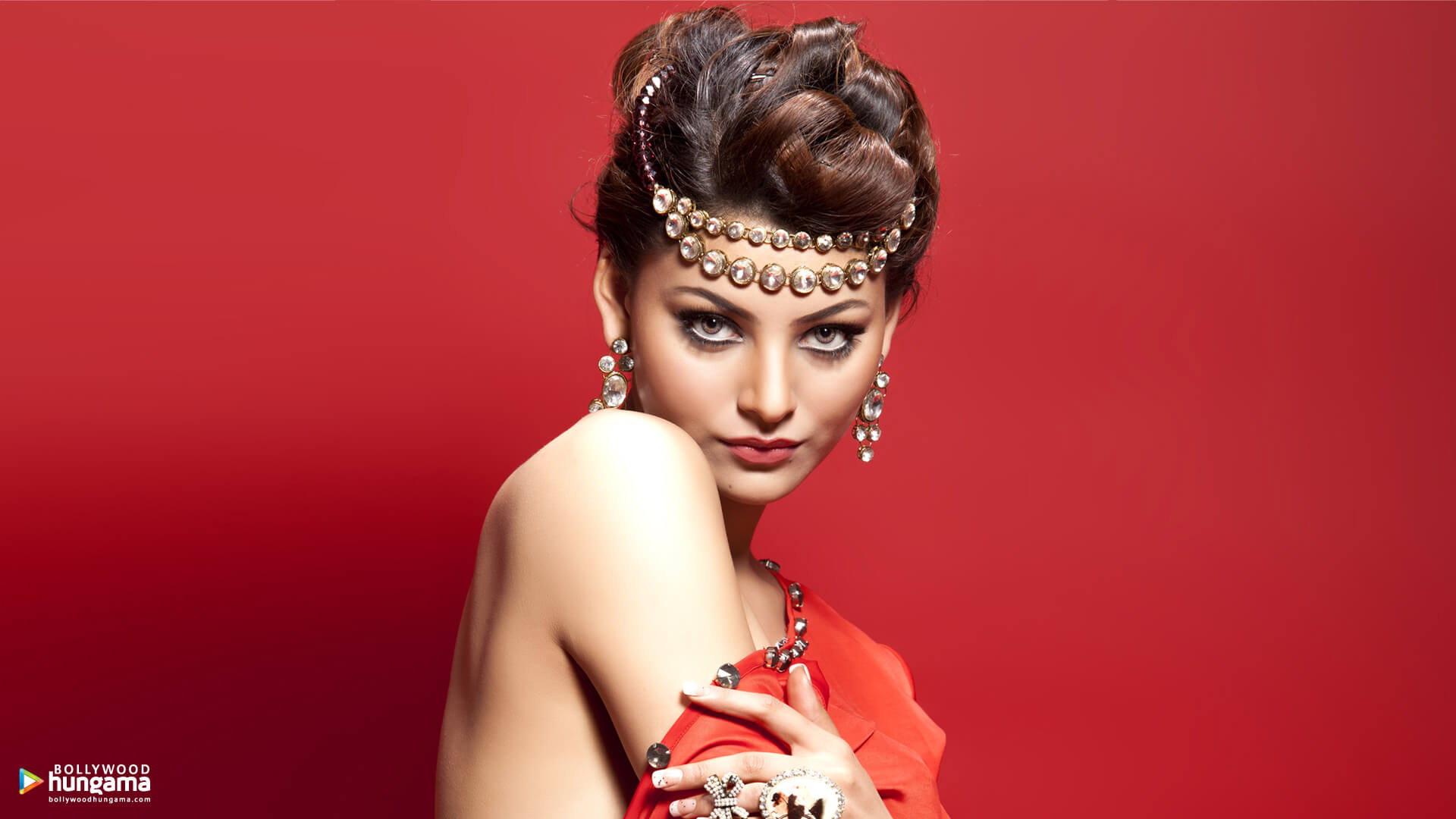 Urvashi Rautela Age, Height, Husband, Biography, Education, Full Details, Wallpaper, Birthday, Family, Net Worth, Awards, Insta, Facebook, Twitter, Wiki, Imdb, Website, Youtube (30)