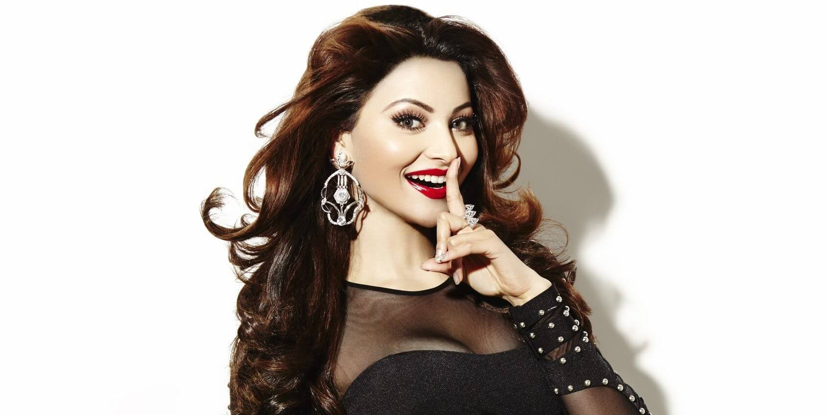 Urvashi Rautela Age, Height, Husband, Biography, Education, Full Details, Wallpaper, Birthday, Family, Net Worth, Awards, Insta, Facebook, Twitter, Wiki, Imdb, Website, Youtube (46)