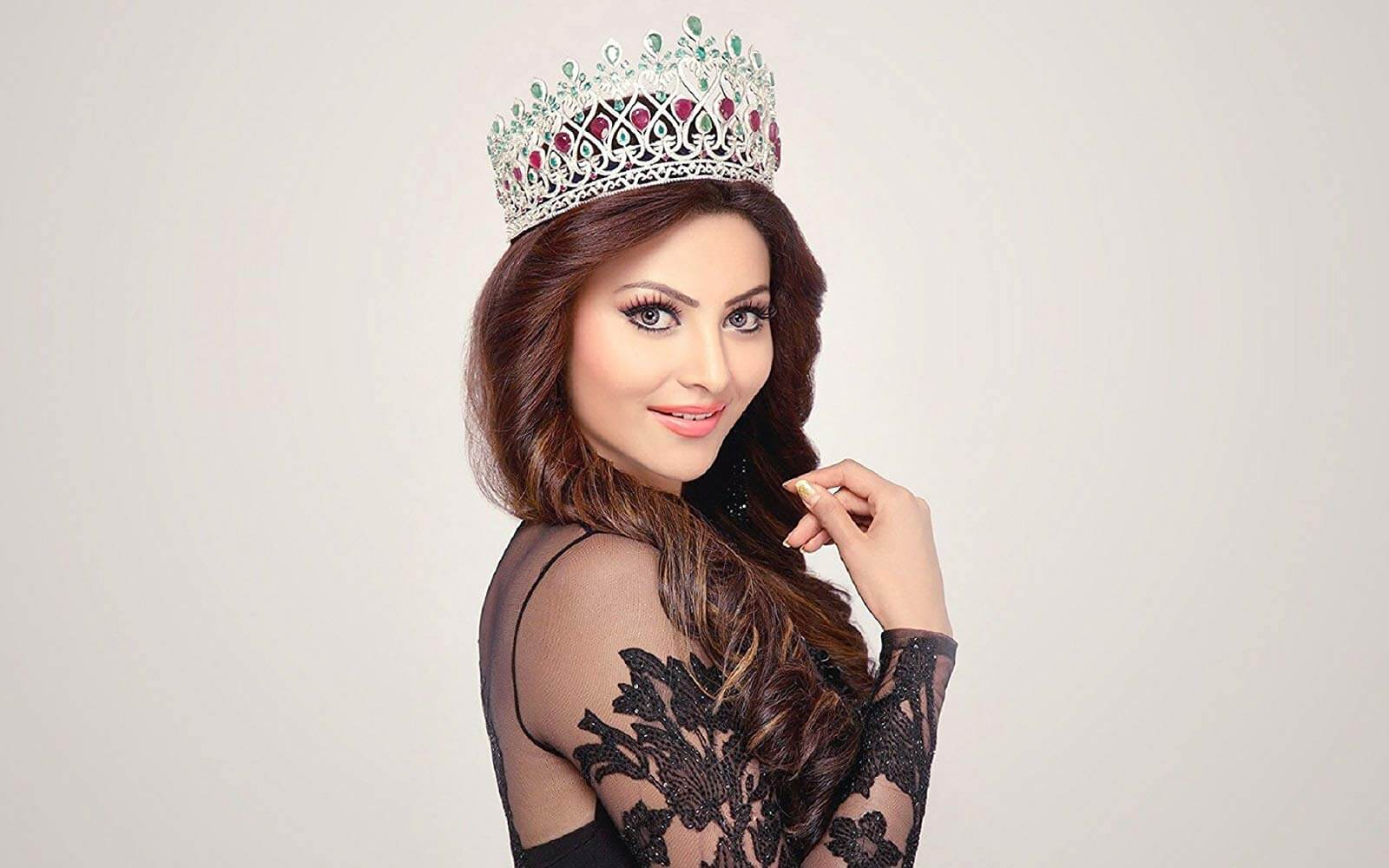 Urvashi Rautela Age, Height, Husband, Biography, Education, Full Details, Wallpaper, Birthday, Family, Net Worth, Awards, Insta, Facebook, Twitter, Wiki, Imdb, Website, Youtube (51)