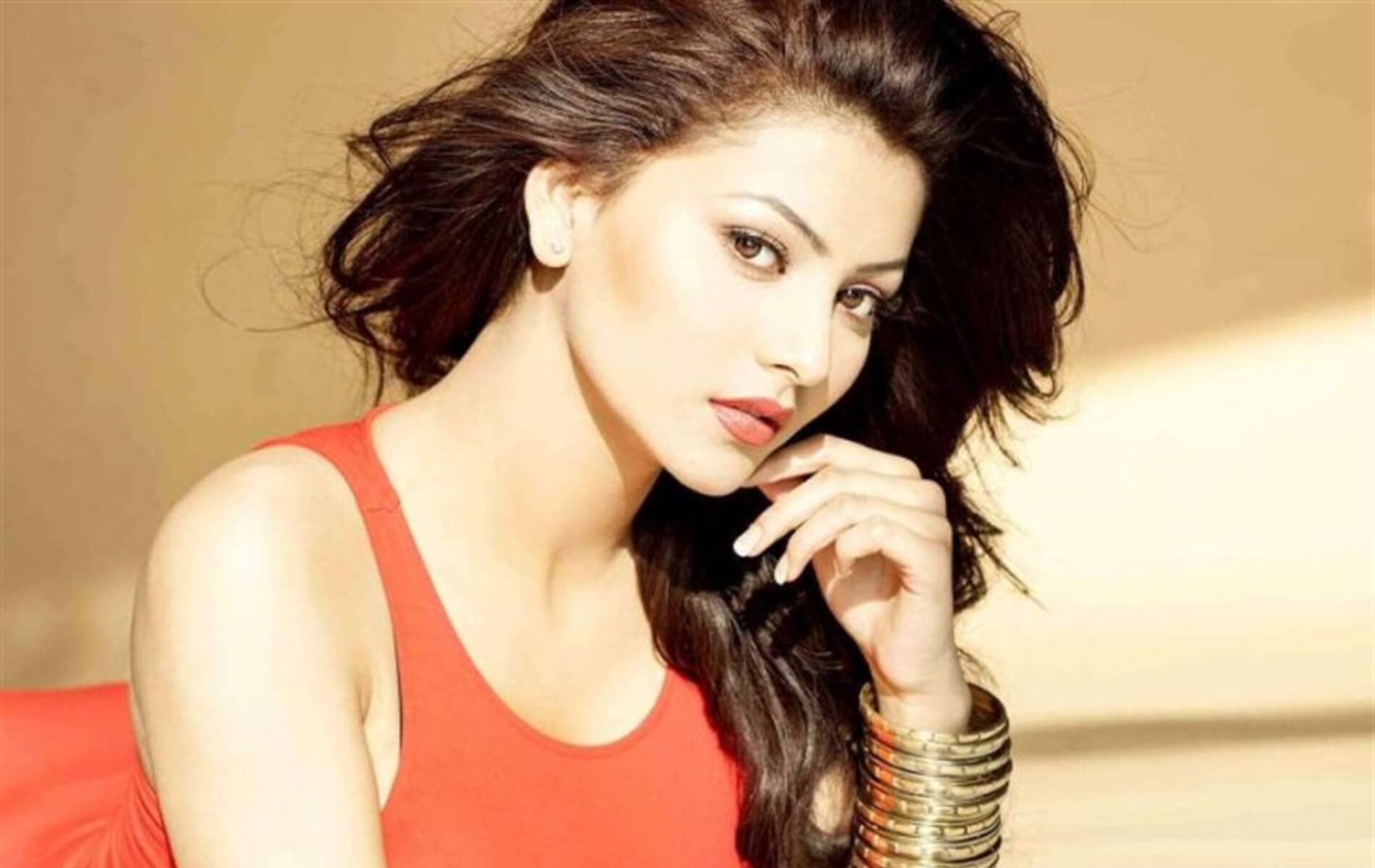 Urvashi Rautela Age, Height, Husband, Biography, Education, Full Details, Wallpaper, Birthday, Family, Net Worth, Awards, Insta, Facebook, Twitter, Wiki, Imdb, Website, Youtube (56)