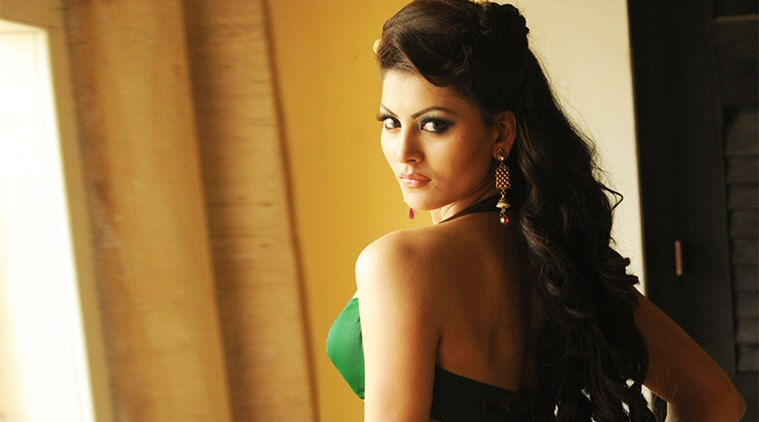 Urvashi Rautela Age, Height, Husband, Biography, Education, Full Details, Wallpaper, Birthday, Family, Net Worth, Awards, Insta, Facebook, Twitter, Wiki, Imdb, Website, Youtube (58)