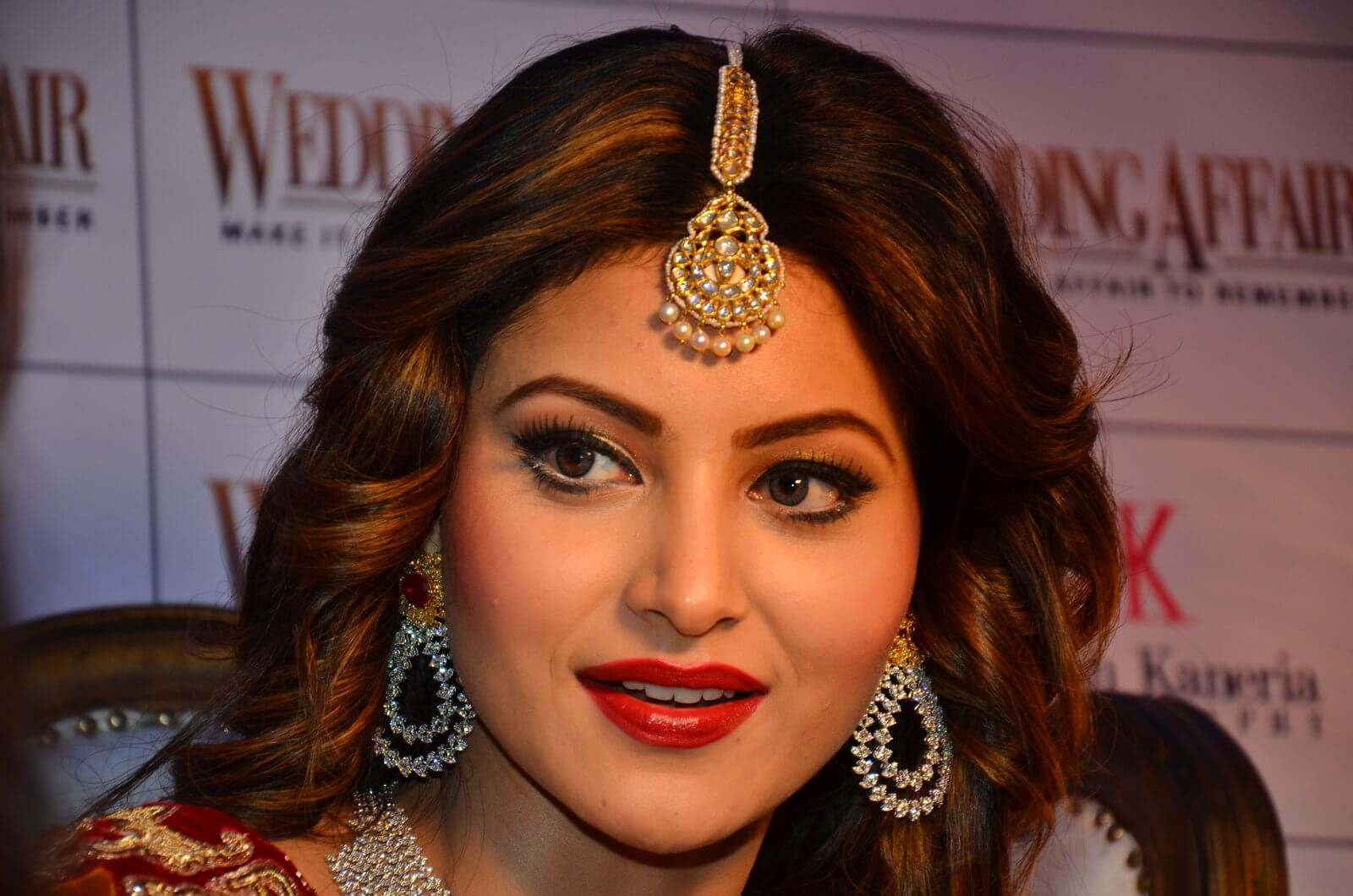Urvashi Rautela age, height, husband, biography, education, full details, wallpaper, birthday, family, net worth, awards, insta, facebook, twitter, wiki, imdb, website, youtube
