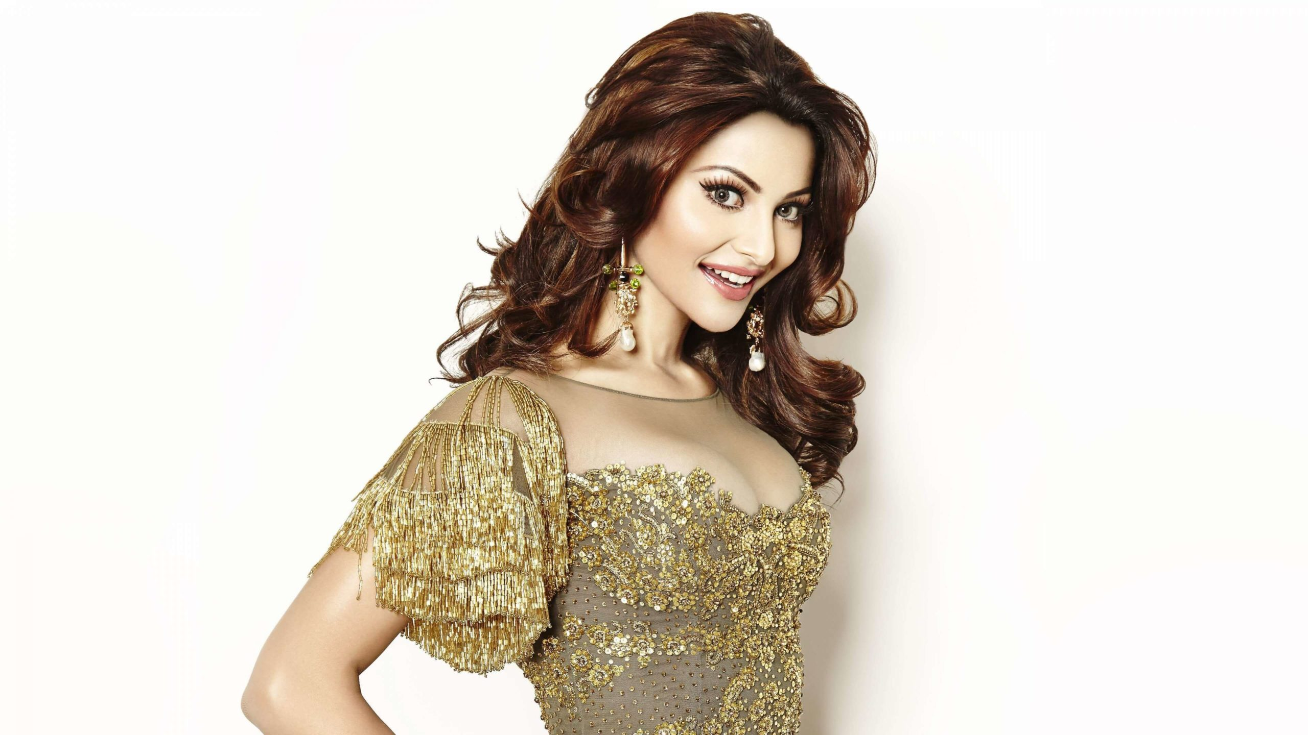Urvashi Rautela Age, Height, Husband, Biography, Education, Full Details, Wallpaper, Birthday, Family, Net Worth, Awards, Insta, Facebook, Twitter, Wiki, Imdb, Website, Youtube (65)