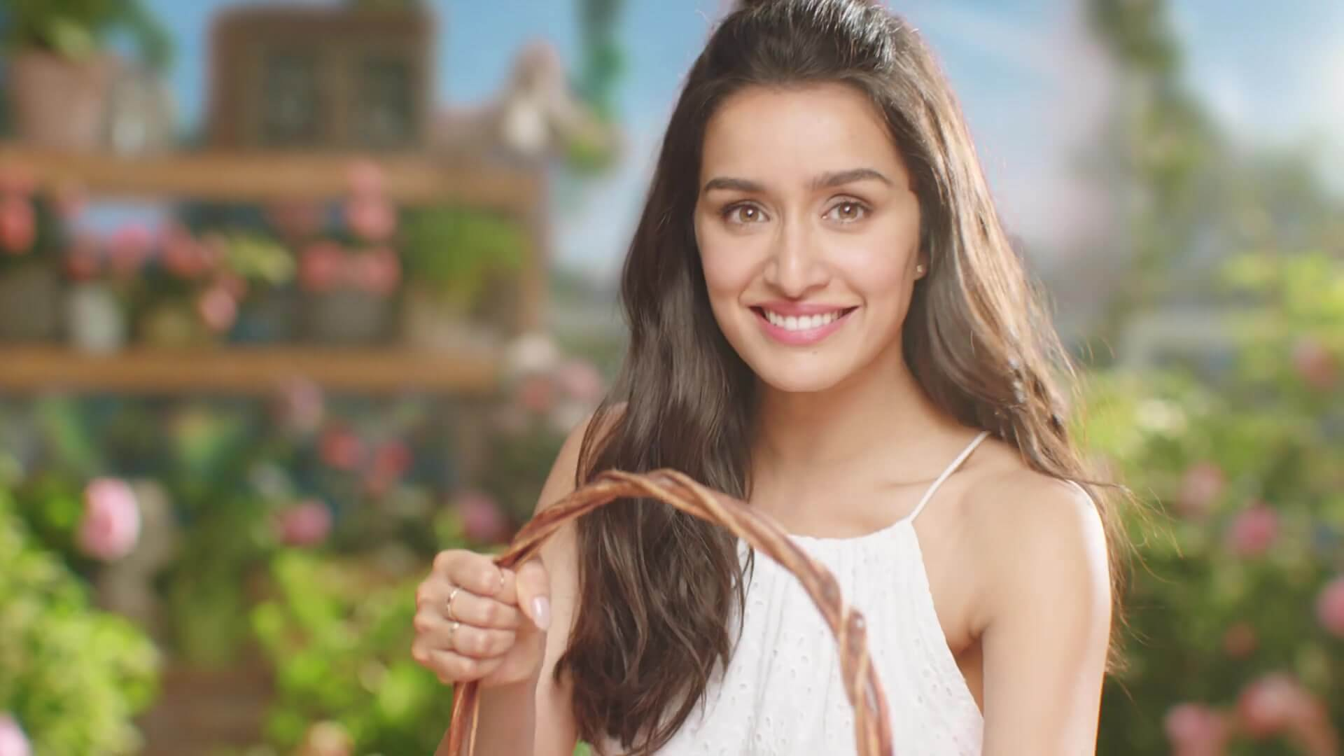 Shraddha Kapoor Age, Photos(images), Height, Mother, Family, Date Of Birth, Husband, Marriage, Net Worth, Biography, Awards, Instagram, Twitter, Facebook, Imdb, Wiki, Youtube, Website (18)