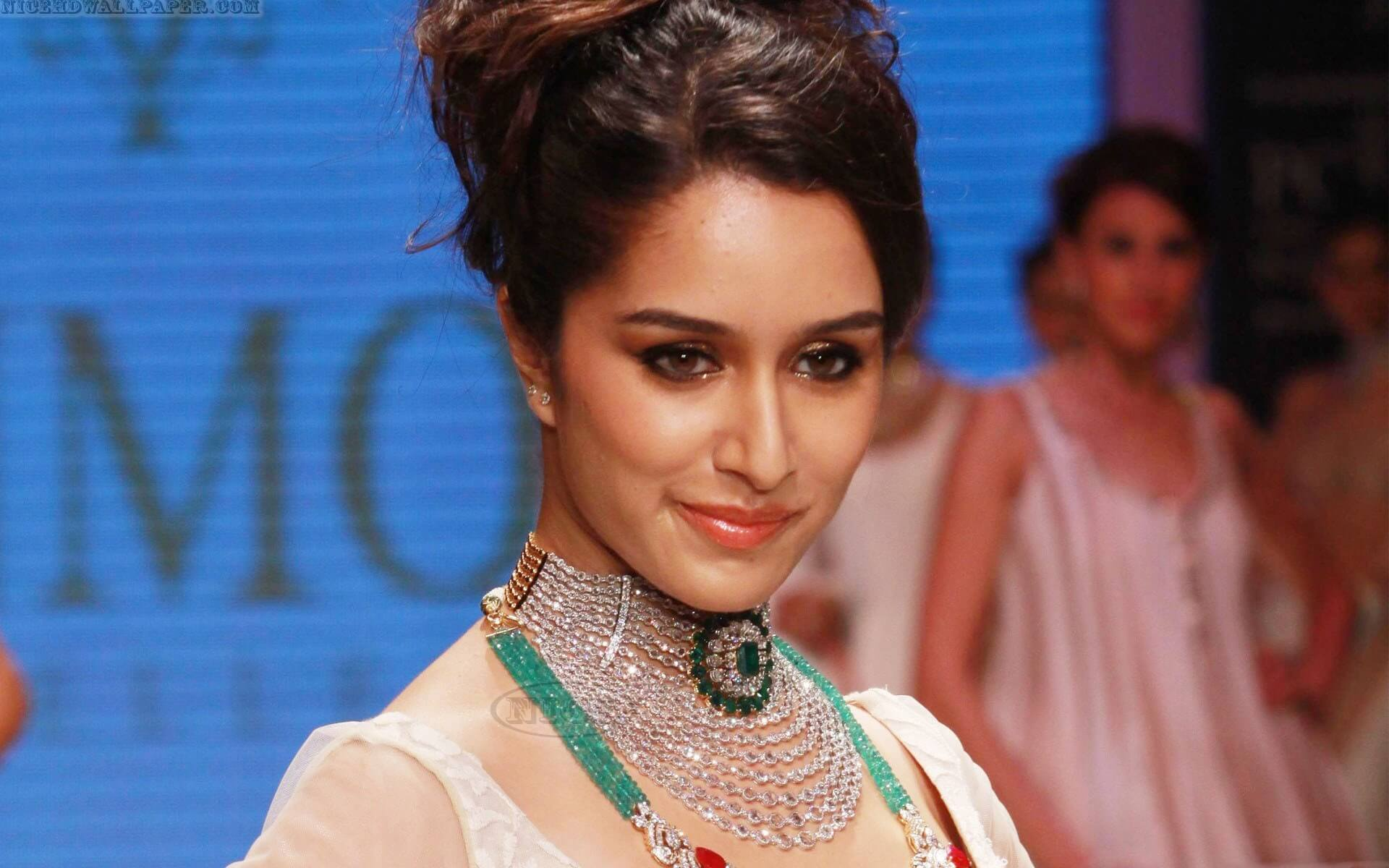 Shraddha Kapoor Age, Photos(images), Height, Mother, Family, Date Of Birth, Husband, Marriage, Net Worth, Biography, Awards, Instagram, Twitter, Facebook, Imdb, Wiki, Youtube, Website (22)
