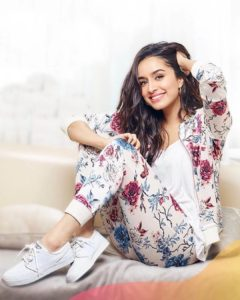 Shraddha Kapoor Age, Photos(images), Height, Mother, Family, Date Of Birth, Husband, Marriage, Net Worth, Biography, Awards, Instagram, Twitter, Facebook, Imdb, Wiki, Youtube, Website (27)