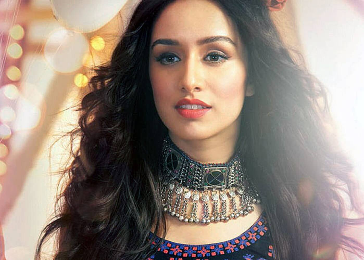 Shraddha Kapoor Age, Photos(images), Height, Mother, Family, Date Of Birth, Husband, Marriage, Net Worth, Biography, Awards, Instagram, Twitter, Facebook, Imdb, Wiki, Youtube, Website (3)
