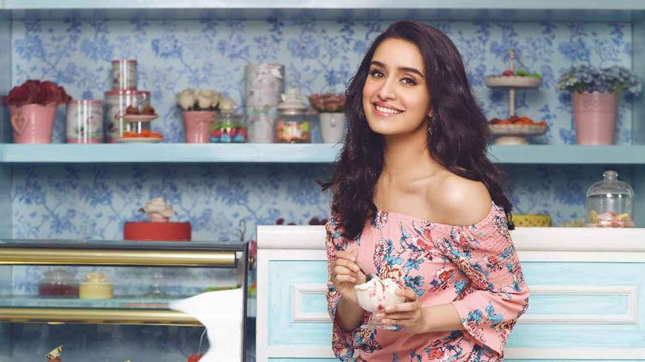 Shraddha Kapoor Age, Photos(images), Height, Mother, Family, Date Of Birth, Husband, Marriage, Net Worth, Biography, Awards, Instagram, Twitter, Facebook, Imdb, Wiki, Youtube, Website (45)
