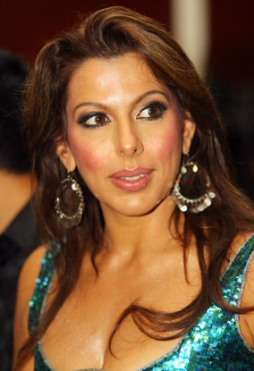 Pooja Bedi hot images, hot pic, hot photo,age, instagram, husband, wiki, facebook, net worth, twitter, date of birth