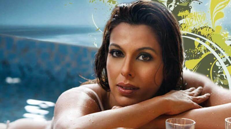 Pooja Bedi | Pooja Bedi age, instagram, husband, wiki, facebook, net worth, twitter, date of birth