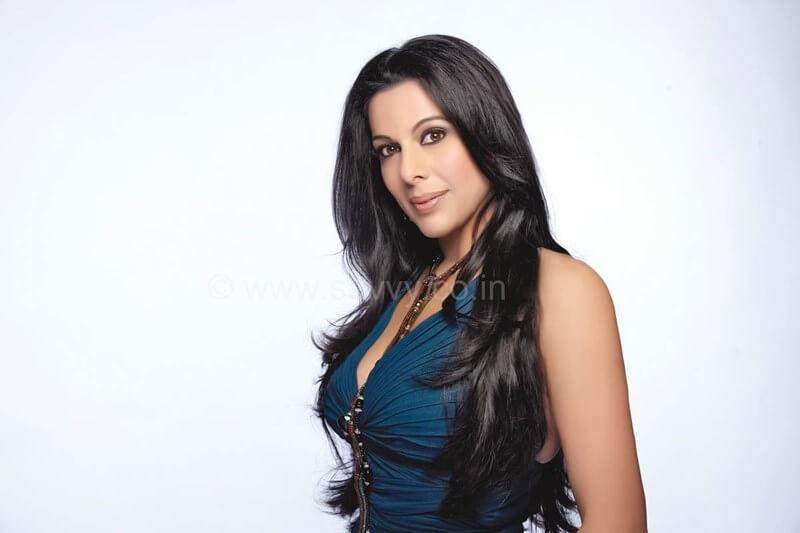Pooja Bedi age, instagram, husband, wiki, facebook, net worth, date of birth (28)