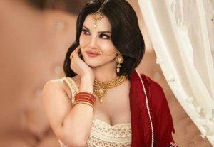 Sunny Leone smile, latest news, age, wiki, imdb, instagram, twitter, birthday, net worth (13)