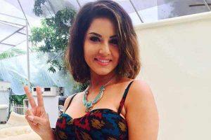 Sunny Leone smile, latest news, hot images, age, wiki, imdb, instagram, twitter, birthday, net worth