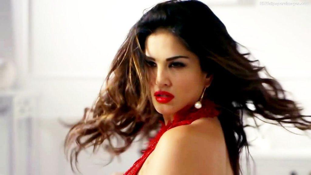 Sunny Leone smile, latest news, age, wiki, imdb, instagram, twitter, birthday, net worth (35)
