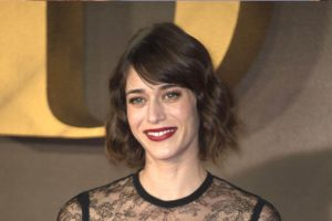 Lizzy Caplan Instagram, Imdb, Net Worth, Wiki, Twitter, Photos, Facebook, Youtube, Biography, Height, Age, Masters Of Sex, Hot Images (11)