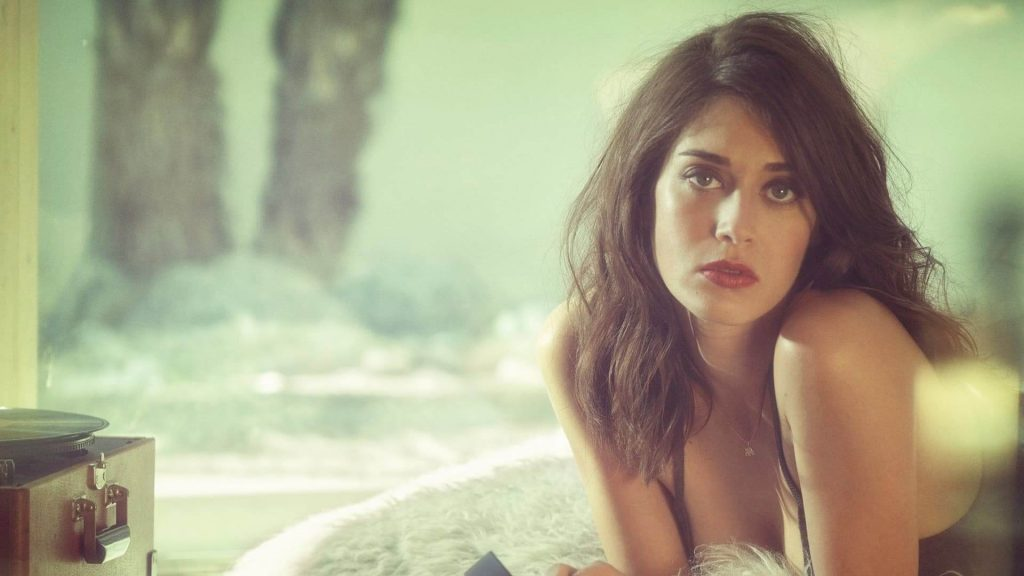 Lizzy Caplan Instagram, Imdb, Net Worth, Wiki, Twitter, Photos, Facebook, Youtube, Biography, Height, Age, Masters Of Sex, Hot Images (25)