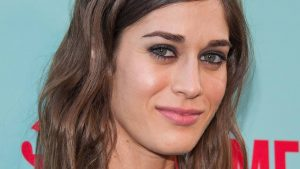 Lizzy Caplan Instagram, Imdb, Net Worth, Wiki, Twitter, Photos, Facebook, Youtube, Biography, Height, Age, Masters Of Sex, Hot Images (27)