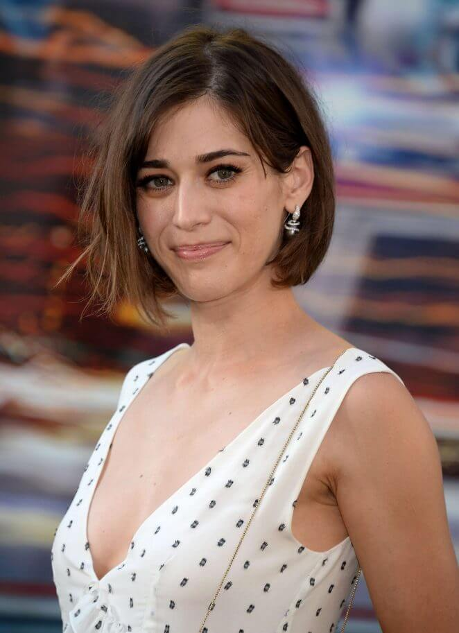 Lizzy Caplan Instagram, Imdb, Net Worth, Wiki, Twitter, Photos, Facebook, Youtube, Biography, Height, Age, Masters Of Sex, Hot Images (38)