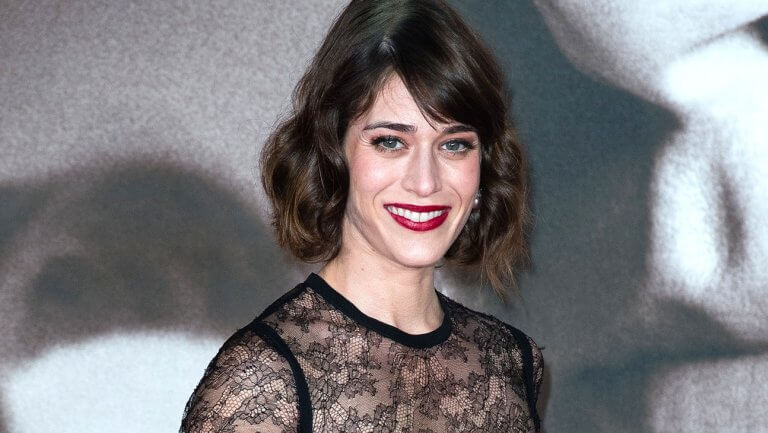 Lizzy Caplan Instagram, Imdb, Net Worth, Wiki, Twitter, Photos, Facebook, Youtube, Biography, Height, Age, Masters Of Sex, Hot Images (43)