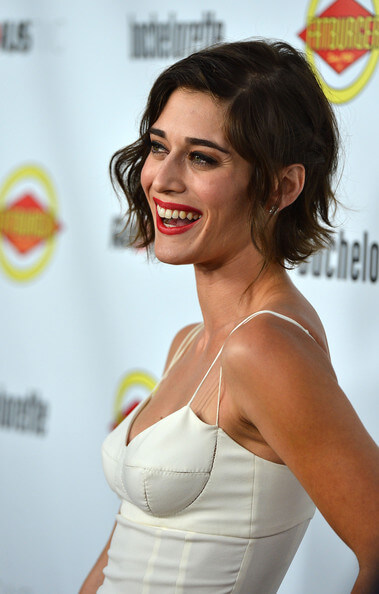 Lizzy Caplan Instagram, Imdb, Net Worth, Wiki, Twitter, Photos, Facebook, Youtube, Biography, Height, Age, Masters Of Sex, Hot Images (46)